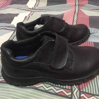 SMARTFIT BLACK SHOES