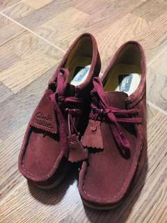 Clarks Wallabees in Maroon