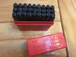皮革工具 字母沖4mm