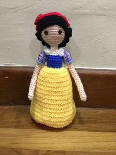 Snow White (handmade crochet)
