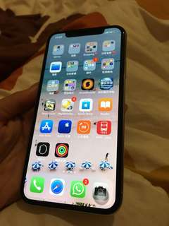 iPhone X 100%新。64GB 用左1個月。行貨跟台出機
