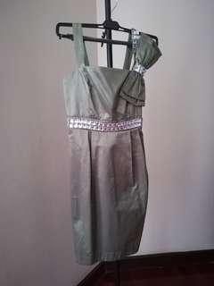 Elegant cute little green dress dinner gown