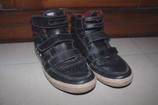 Tomkins high top shoes