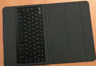 Zagg messenger keyboard cover for ipad 10.5