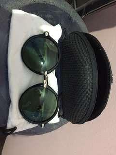 Kacamata Hitam Ray Ban