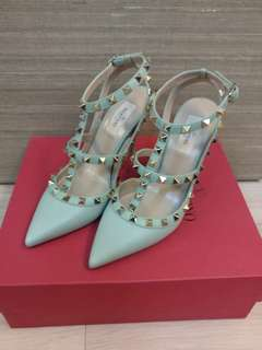 Valentino studs heels shoes 37