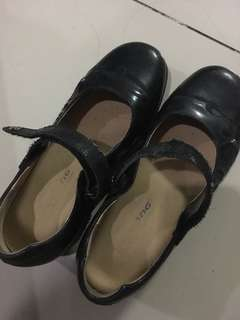Dr. Kong black school shoes