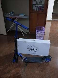 Pre-loved GLIDECO CRUISER230 scooter in blue. Condition 8/10. Original price $170