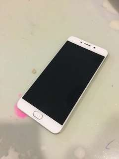Selling Oppo R9 64GB (only phone)
