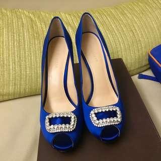 Stella Luna緞面寶藍色水鑽框魚口高跟鞋