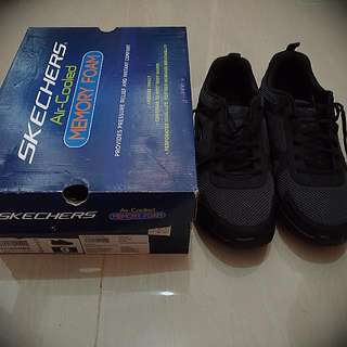 Sepatu Skechers Memory Foam
