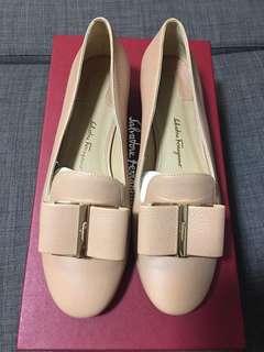 Ferragamo Loafers with Flower heels in Beige (size 5.5 or 36)