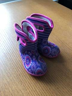 BOGS Waterproof Baby Girl Pull On Boots Pink and Purpler Size 5