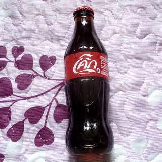 可口可樂泰國250毫升玻璃樽一枝 (Label有破損)
