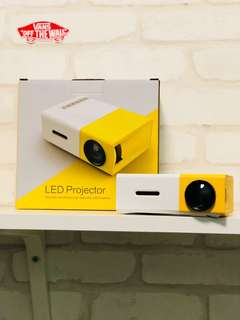 迷你投影機 mini projector LED YG300
