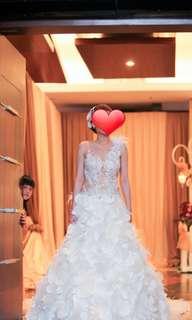 Wedding Gown Second (by Cynthia Tan)