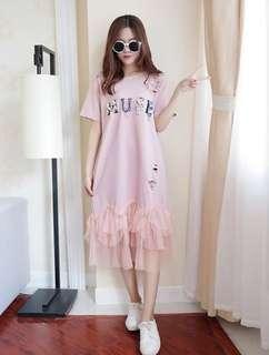 #省錢團購服飾  75762 #新款學院風網纱拼接字母印花T恤連衣裙   颜色:粉色 黑色 白色  尺码:M L XL