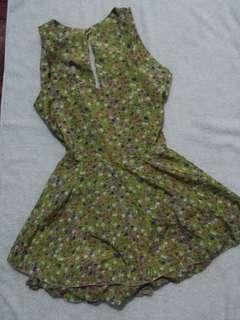 Dress with short inside