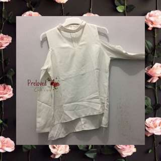 Blouse Putih V-neck