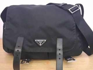 Prada側背包 付背袋 9成新