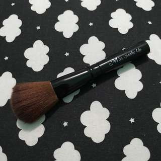 Makeup brush kuas blush on