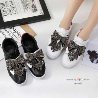 Style Gucci bow sneakers