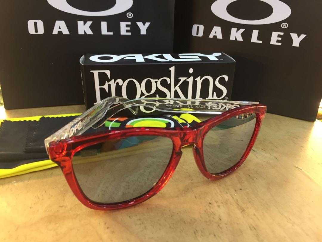 670136611c Oakley Frogskin KITH 2018