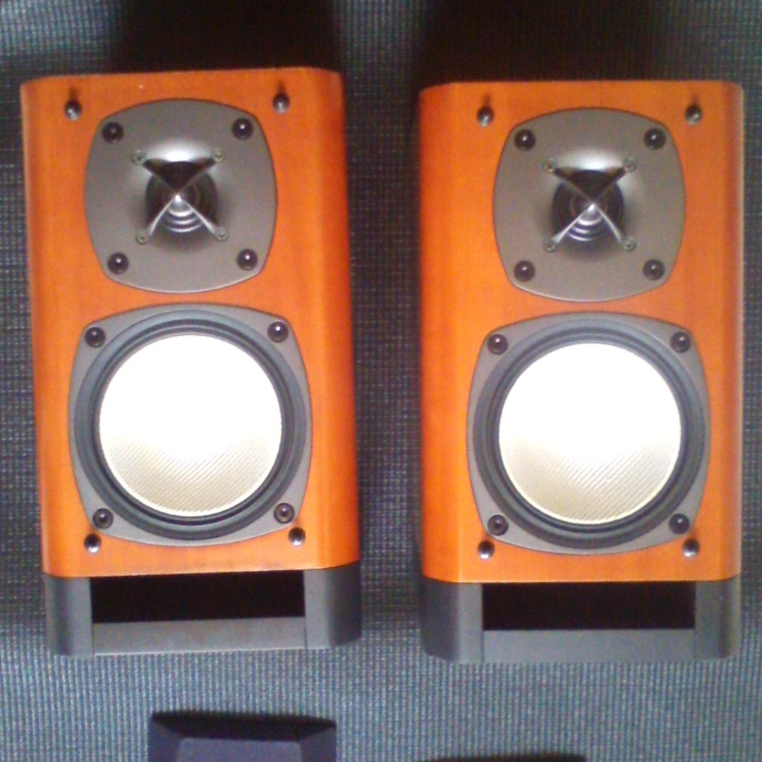 Onkyo D D1E Passive Bookshelf Speakers Electronics Audio On Carousell