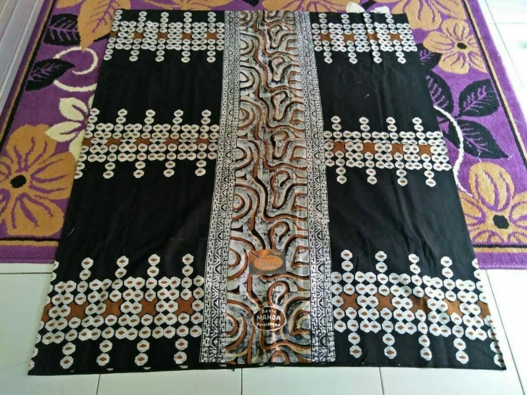 Sarung Motif Batik Modern Men S Fashion Men S Clothes On Carousell