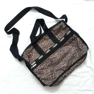[FREE POSTAGE] LeSportSac   Sling Bag