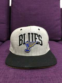 Authentic BLUES Mitchell&Ness Snapback Grey (prelove)