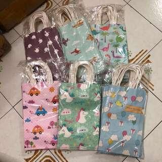 PARTY PAPER BAG / GIFT BAG / GOODIE BAG / GOODY BAG