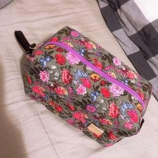 灰色玫瑰花化妝袋