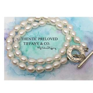 Excellent Authentic Tiffany & Co. Logo Toggle Freshwater Pearl Necklace Silver