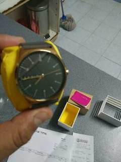 Esprit watch still in box 100% new condition. Bought rm349 and selling for rm150 + 1 month old