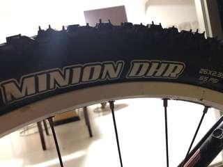 DHF & DHR Minnion tyre 26✖️2.35