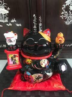陶瓷招财猫 ( Porcelain Fortune Cat )