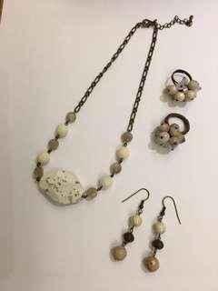 Necklace, earrings & rings set