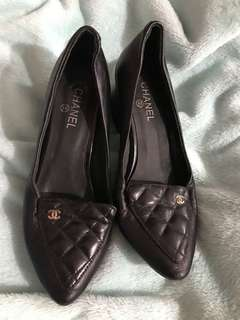 CHANEL QUILTED PUMP SHOES 🌸FREE SF🌸