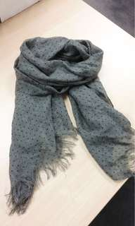 WTB Looking for Country Road Scarf Grey with Polka Dot