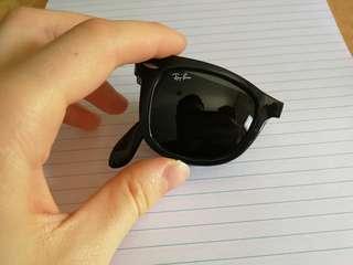 Rb 4105 Folding wayfarer sunglasses