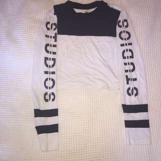 Studio long sleeved crop size 6