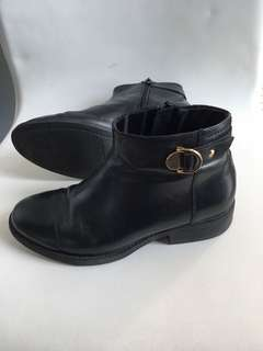 Vagabond leather boots