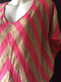 Top-Batwing Knit Blend Chevron Khaki + Classic Pink Cashmere top