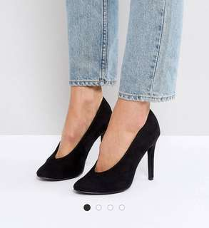 New Look V shape heels (black)