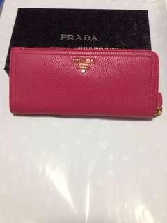 BNIB Prada wallet in grained leather - fuchsia