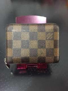 LV zippy purse