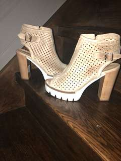 Size 8 made in Italy heels
