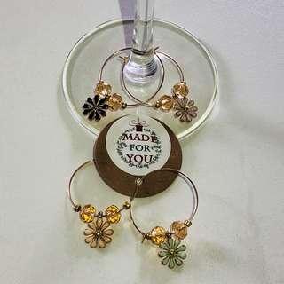 Daisy Wine Charm (set of 4)
