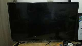 "Panasonic TV 32"" 90% condition"